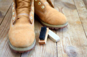 Combat Boots with cleaning brush